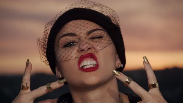 miley-cyrus-we-cant-stop-video-600x337
